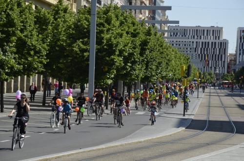BicicletadaESCOLAR2015_PEDALEA (2)